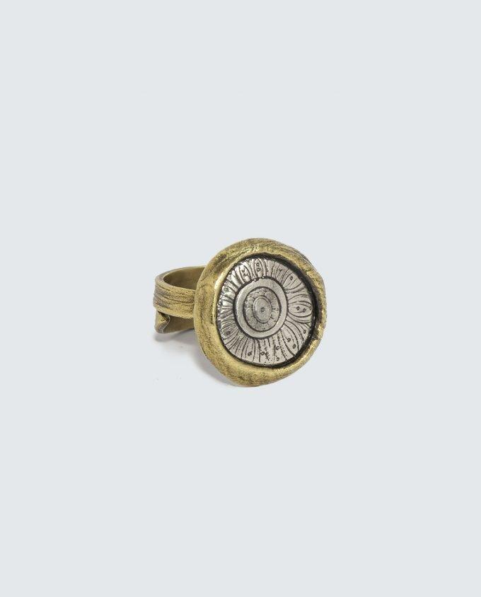 anillo de bronce Riad